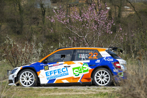 Il Winners Rally Team invade l'Isola d'Elba, si avventura fra le Valli Cuneesi, scala i Monti Sibillini ed emigra nella Repubblica Ceca