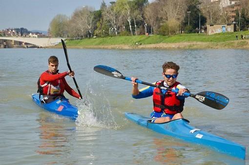 """Ex allievi campioni di canoa e canottaggio incontrano gli studenti della """"Manzoni"""""""