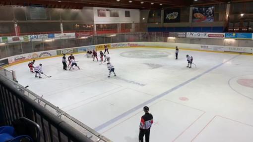 Stop al campionato di hockey ghiaccio: stagione annullata per l'allerta coronavirus