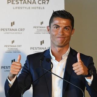 Cristiano Ronaldo batte Messi e diventa 'mister miliardo'