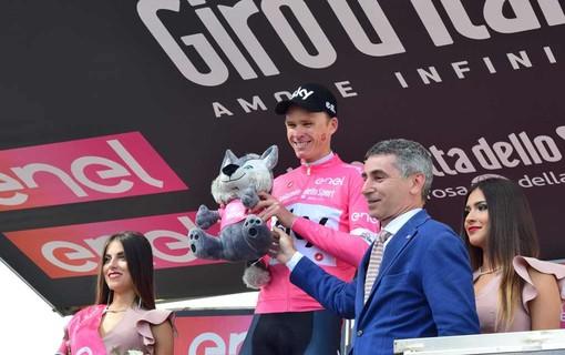 La Polizia stradale accompagna la 102esima edizione del Giro d'Italia