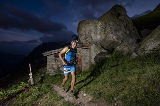 Le stelle internazionali Kilian Jornet ed Emilie Forsberg al via del Uyn vertical Courmayeur Mont Blanc di sabato 3 agosto