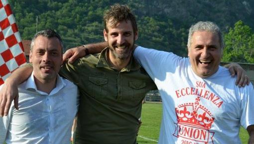 Finisce un'epoca: via Galluzzo e Falco dall'Union, qui in foto col presidente Casciello