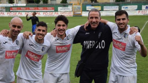 """VIDEOGOL - Pinerolo-Rivoli 2-1, la rete di Pareschi fa esplodere il """"Barbieri"""": salvezza!"""
