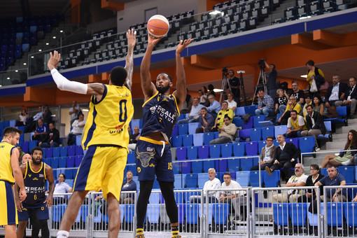 A2, si interrompe contro Napoli la striscia positiva della Reale Mutua Basket Torino