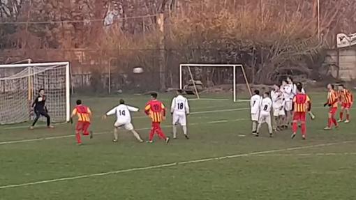 VIDEOGOL - Marco Serra (Villafranca) e le sue punizioni letali: 2-1 al Pancalieri